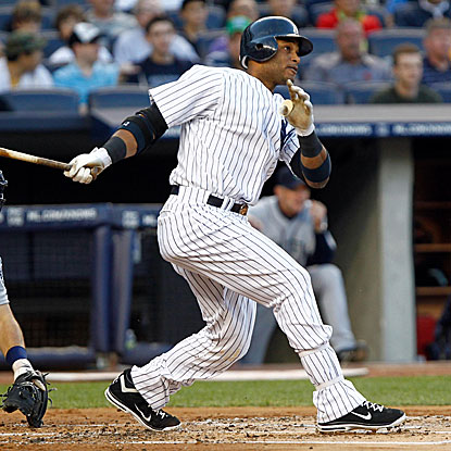 Robinson Cano goes 4 for 4 with an RBI in the Yankees' victory over the Mariners and their ace Felix Hernandez.  (US Presswire)