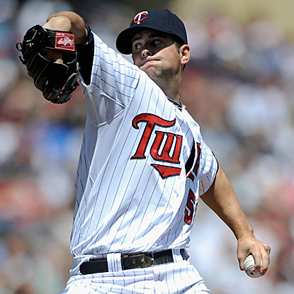 Scott Diamond gives the Twins a second straight start of seven shutout innings, improving to 2-0 by beating the Blue Jays.  (Getty Images)