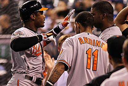 Adam Jones goes deep for the third straight game for the Orioles, who are 12-1 when he homers. (Getty Images)