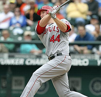 Mark Trumbo connects for a seventh-inning home run as the Angels top the Mariners for their sixth straight win.  (Getty Images)