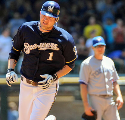 Corey Hart knocks one of four home runs for Milwaukee as the Brewers take the series.  (US Presswire)
