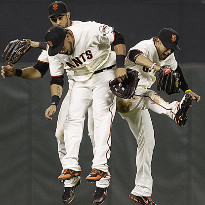 The Giants, who were 7 1/2 games behind the Dodgers a month ago, celebrate back-to-back shutouts of L.A.  (AP)