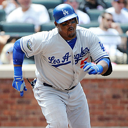 Juan Uribe breaks a 1-for-38 slump with a double, homer and four RBI in the Dodgers' win.  (Getty Images)