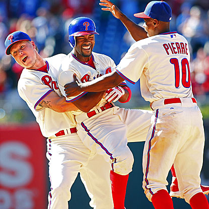 Jimmy Rollins' walk-off single in the 10th inning extends the Phillies' streak of last-at-bat victories to four. (Getty Images)