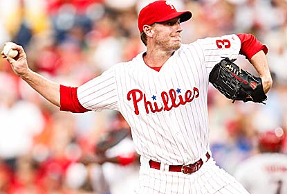 Roy Halladay pitches seven innings of 3-hit ball with 5 Ks and earns his first win since May 17. (Getty Images)