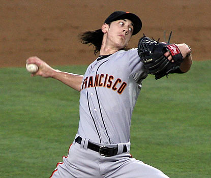 Lincecum picks up his third straight road win while helping his Giants extend their NL West lead. (Getty Images)