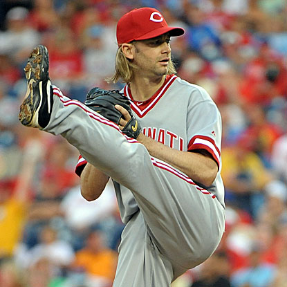 The Reds' Bronson Arroyo sets down the first 14 batters he faces en route to his win against the Phillies.   (US Presswire)