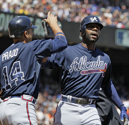 Jason Heyward smacks a three-run shot as the Braves get a big win in San Francisco.  (AP)