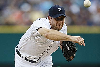 Max Scherzer K's nine over eight scoreless innings as the Tigers pull within a game of first place in the AL Central. (US Presswire)
