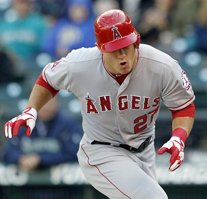 The Angels' Mike Trout (.326) is unable to catch Miguel Cabrera (.330) for the AL batting title as he finishes just shy.  (AP)