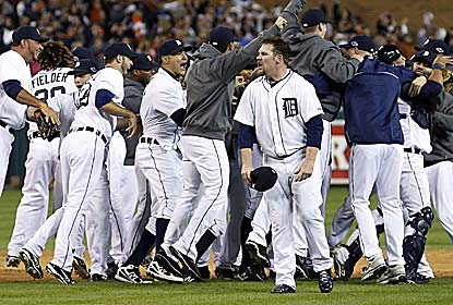 The Tigers return to the World Series for the first time since '06 after sweeping the Yanks, who manage two hits in the finale. (US Presswire)
