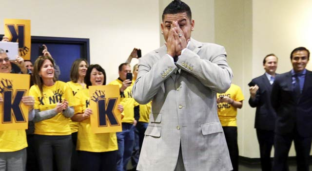 Felix Hernandez is greeted by supporters as the Mariners make his mega-deal official. (AP)