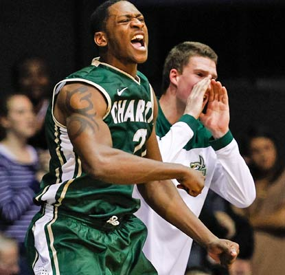 Willie Clayton nets 11 points as the Charlotte 49ers notch a big road win the Atlantic 10.  (Getty Images)