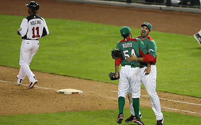 Jimmy Rollins and Team USA couldn't muster much offense in a 5-2 loss to Mexico in the team's WBC opener. (USATSI)