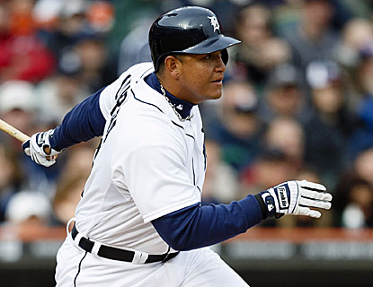 Detroit slugger Miguel Cabrera goes 4 for 4 with a double and an RBI in the Tigers' win over New York. (USATSI)