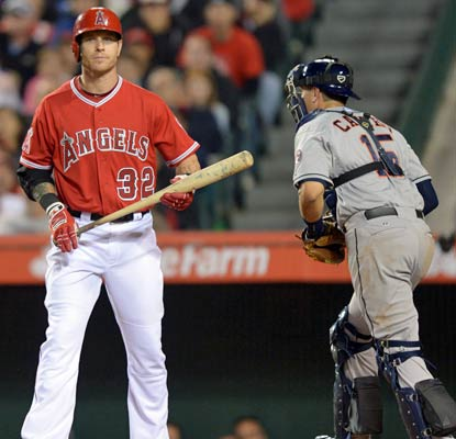 Josh Hamilton goes 0 for 4 as the Angels fall to 2-8, matching the inaugural team from 1961 for worst start.  (USATSI)