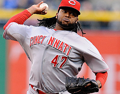 Prized Cincinnati Reds starter Johnny Cueto leaves in the fifth inning with a strained right triceps. (Getty Images)