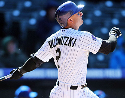 Rockies shortstop Troy Tulowitzki hits the go-ahead single in the sixth and adds a home run in the eighth to top the Mets. (USATSI)