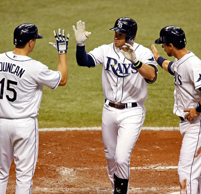 Evan Longoria goes long for the fourth time in five games and has reached base safely in the Rays' last 16 games.  (Getty Images)