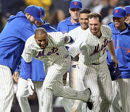 Jordany Valdespin plays hero for the Mets, who complete an impressive comeback over the Dodgers. (Getty Images)