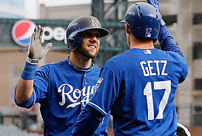 Alex Gordon hits his first career grand slam to highlight a five-run 10th for the Royals, who go home in first place.  (Getty Images)
