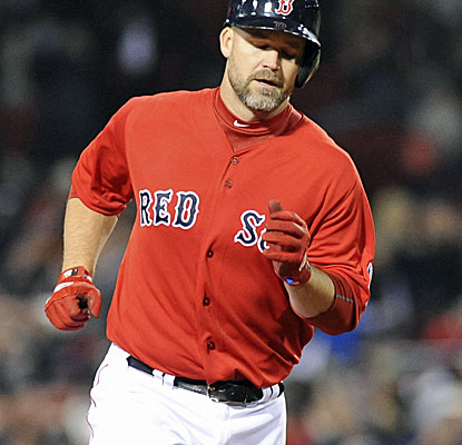 Catcher David Ross clears the Green Monster twice with solo home runs in Boston's win over the Astros. (USATSI)