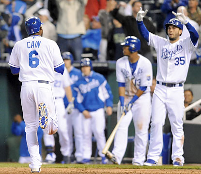 Lorenzo Cain, who drives in two runs, crosses the plate twice and finishes 2 for 5 at the plate. (USATSI)