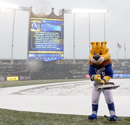 For the first time since 1907, there's measureable snow in Kansas City, postponing Rays-Royals.   (USATSI)