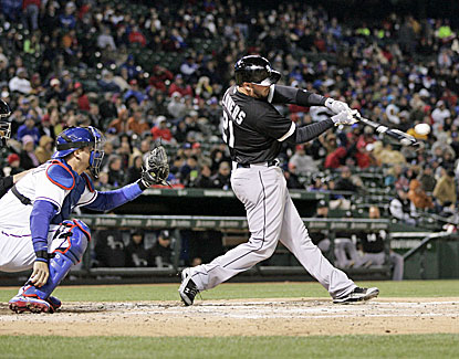 Tyler Flowers hits a three-run homer for the White Sox, providing enough offense for starter Hector Santiago. (USATSI)