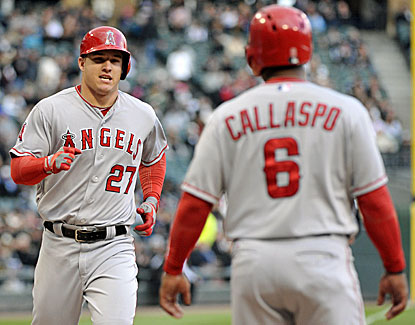 Mike Trout sets the tone with a two-run homer in the first inning of LA's 3-2 win over the White Sox. (USATSI)