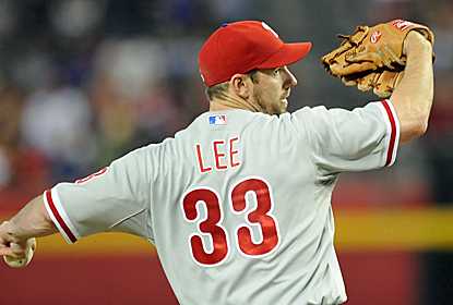 Cliff Lee throws seven scoreless innings before Jonathan Papelbon closes down the win in the ninth. (USATSI)