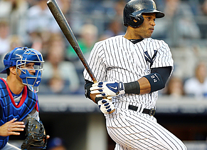 Robinson Cano drives in a run in the first inning to help lift the Yankees to a shutout victory.  (Getty Images)