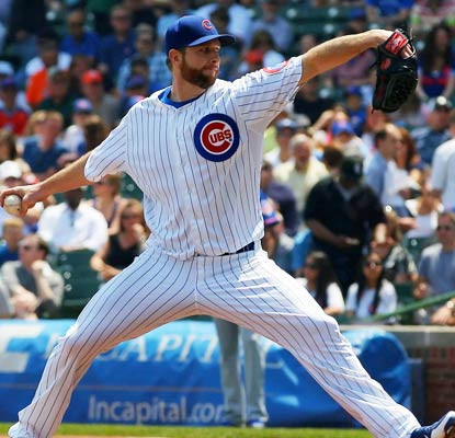Scott Feldman improves to 4-0 with a solid outing against the Mets and also knocks a two-run double.  (USATSI)