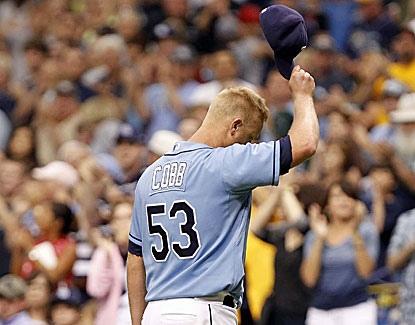 Alex Cobb takes a shutout into the ninth and leaves to a healthy ovation in the Rays' 8-3 win over the Yankees. (USATSI)