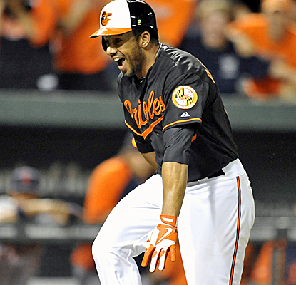 Chris Dickerson connects for a walk-off homer to propel the Orioles past the Tigers.  (USATSI)