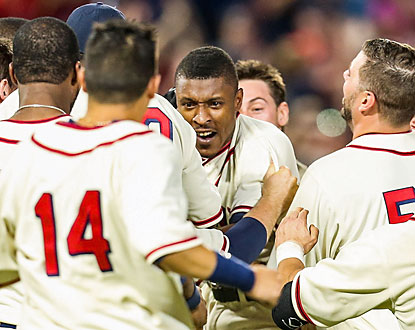 B.J. Upton finally comes up big for the Braves with a game-ending single in the 10th inning. (USATSI)