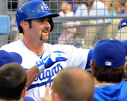 Scott Van Slyke provides some key offense for the Dodgers. He finishes 2 for 3 with a home run. (USATSI)