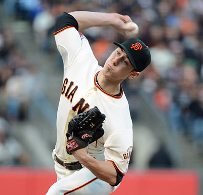 Tim Lincecum returns to the win column after throwing seven sharp innings of one-run ball. (USATSI)
