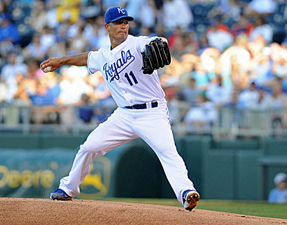 Jeremy Guthrie earns his seventh win of the season after pitching 6 1/3 clean innings against the potent Tigers' offense. (USATSI)