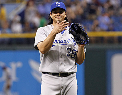 Kansas City starter Luis Mendoza limits the Rays to two runs over six innings in the Royals' 7-2 road victory. (USATSI)