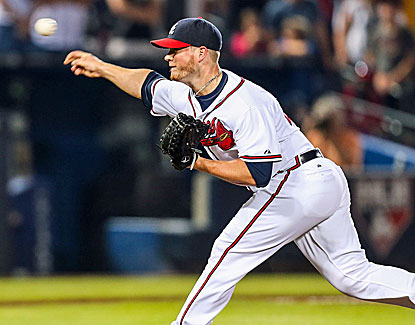 Braves closer Craig Kimbrel strikes out two in a perfect ninth for his 20th save in 23 chances. (USATSI)