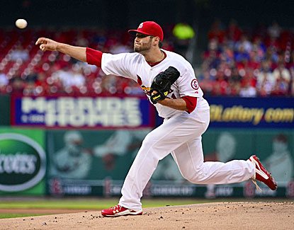 Cardinals starter Lance Lynn allows one run in six innings to beat the Cubs and earn his 10th win. (USATSI)