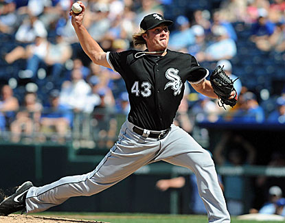 Chicago White Sox reliever Addison Reed handles a perfect ninth against the Royals for his 21st save. (USATSI)
