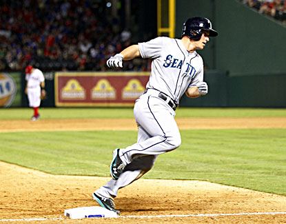 Kyle Seager rounds the bases after hitting a two-run home run in the 10th inning, giving the Mariners a win. (USATSI)