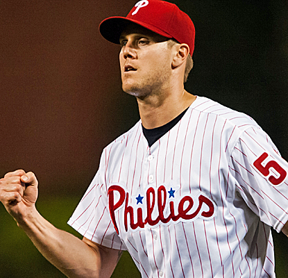 Jonathan Papelbon closes down the Phillies' win over the the Nats, picking up his 20th save of the year.  (USATSI)