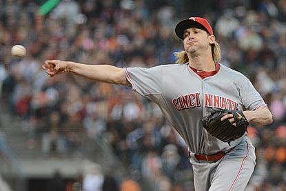 Bronson Arroyo's 100th victory with Cincinnati is a gem -- a seven-hit, no-walk shutout against the defending world champions.  (USATSI)