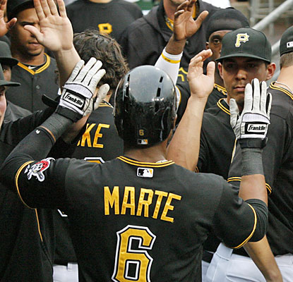 Starling Marte and the Pirates continue their winning ways as they down their division rivals for the fourth straight time. (USATSI)