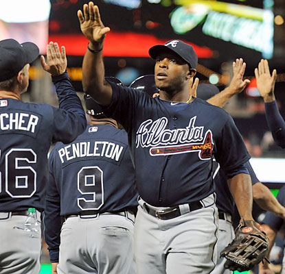 Justin Upton, who give the Braves the lead in the eighth with a solo HR, celebrates Atlanta's longest win streak of the season. (USATSI)