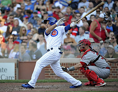Darwin Barney cracks an RBI double for the Cubs, who snap a four-game losing streak with a 7-0 win. (USATSI)