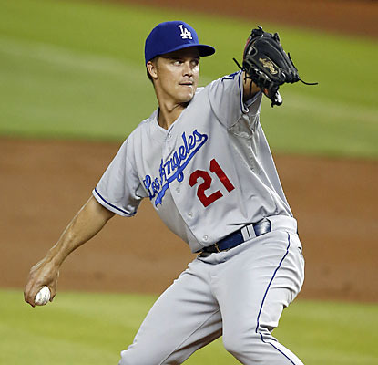 Zack Greinke (8 IP, 1 ER, 7 Ks) moves to 4-0 in his last four starts while lowering his ERA down to 2.91.  (USATSI)